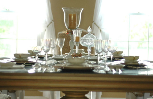 hints on picking a dining room furniture 3