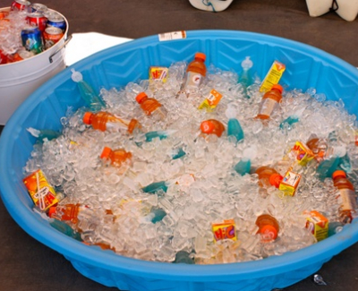kiddie pool with drinks