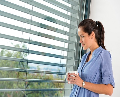 how to keep house windows from fogging up