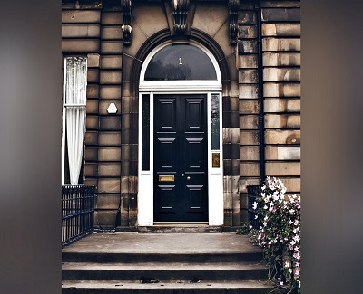 does your door match your house3