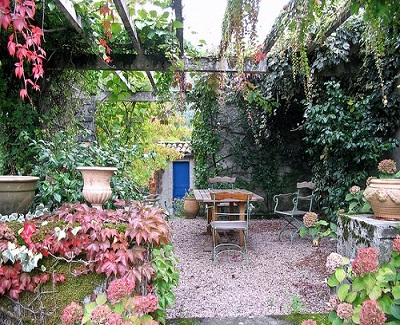 6 Sweet Ideas for Dressing up your Garden1