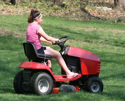 Purchasing a Ride On Lawn Mower