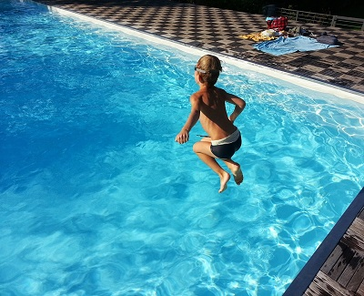6-tips-to-choose-the-best-pool-fencing