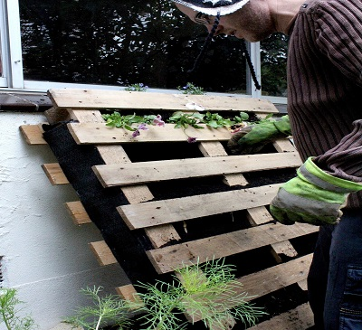9-ways-to-transform-pallets-into-rustic-furniture