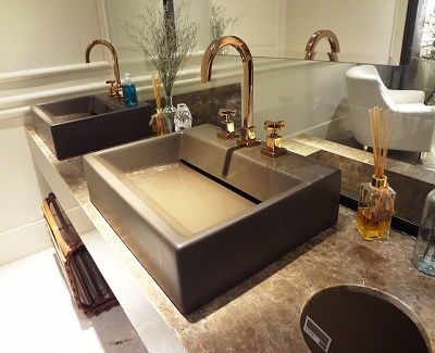 how-nature-is-leaving-its-mark-in-the-world-bathroom-design1