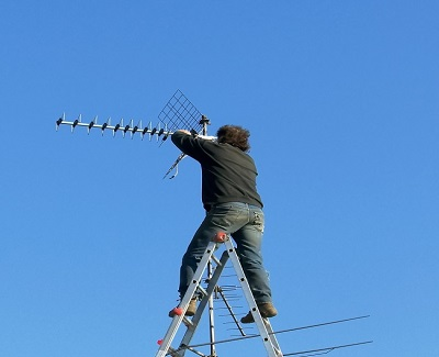 Nice You Can Generally Install Outdoor Antennas On A Roof Or In An Attic. While  An Antenna Installation In Your Attic Involves Less Climbing And  Acrobatics, ...
