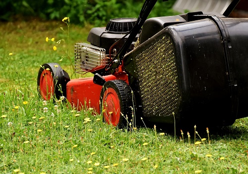 how to select the perfect mower for your yard size kravelv. Black Bedroom Furniture Sets. Home Design Ideas